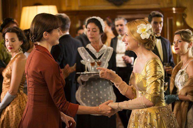 Emily Mortimer en el rol de la heroína y Patricia Clarkson como su antagonista.