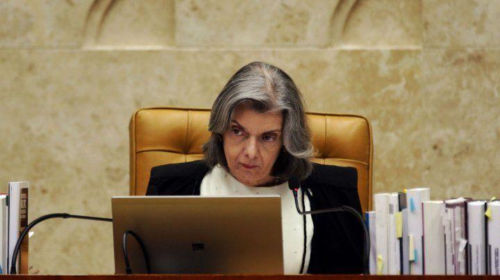 Traspaso de mando. La jueza Antunes será presidenta por 24 horas.