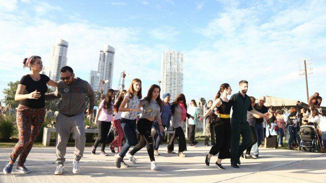 Inauguraron el Paseo Pichincha que recupera un espacio verde en la estación Rosario Norte