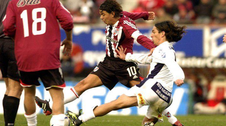 Frente a frente. Gallardo era el 10 de River cuando Buján jugaba en Tiro Federal.