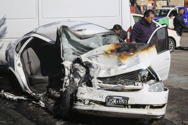 Dos chicas murieron en un choque en supuesta picada en Lanús
