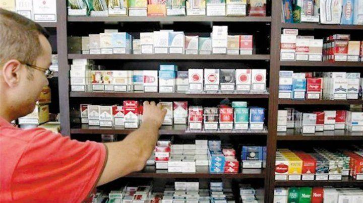 Aumentan 5 por ciento los precios de los cigarrillos