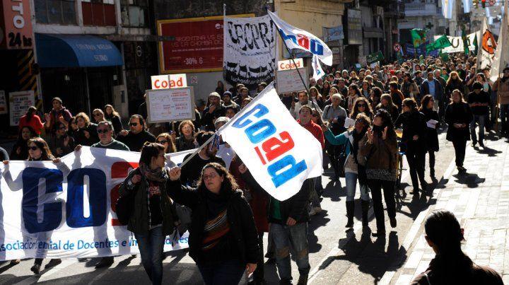 La UNR profundiza el plan de lucha con más paros y marchas