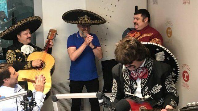 Feinmann sorprendió a Novaresio con mariachis para su cumpleaños