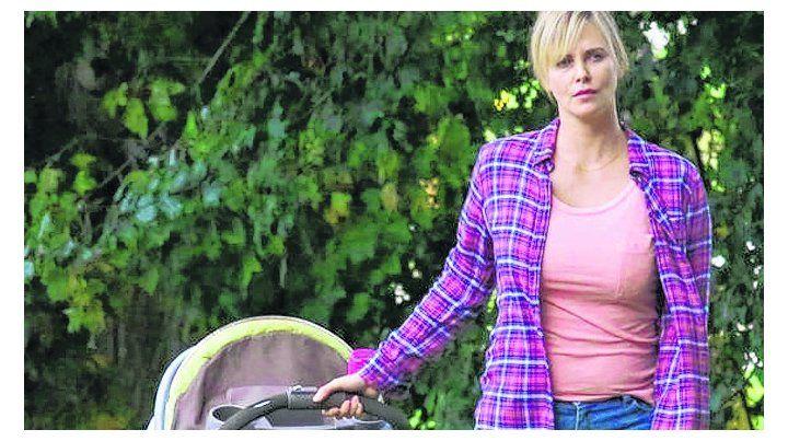 madre. En la película la sudafricana encarna a la abrumada Marlo.