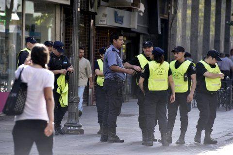 más presencia policial. Los comerciantes del microcentro critican la falta de efectivos en las zonas donde se producen los robos.