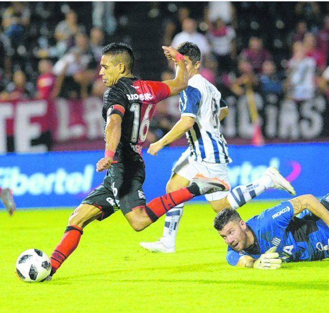 El 16 leproso. Figueroa no sólo marcó un gol ante Talleres sino que hizo un gran partido.