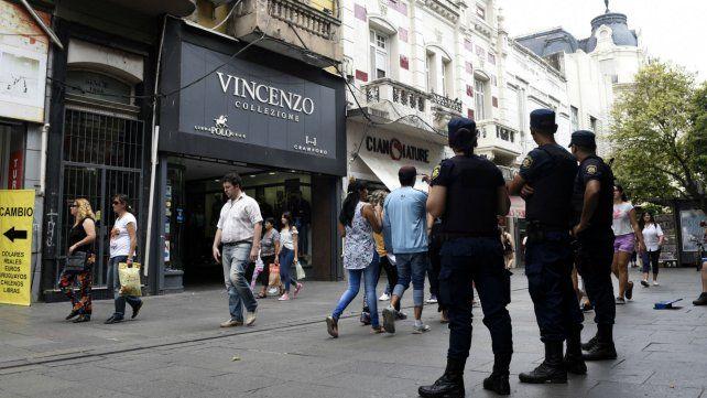 Más presencia policial. Los comerciantes del microcentro critican la falta de efectivos.