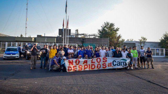 Los trabajadores de Cargill esta mañana. Denunciaron otro lock out patronal.