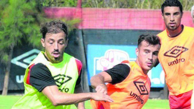 Bernardello entrenó pero no es un hecho que vaya a ser titular.Sebastian Suarez Meccia