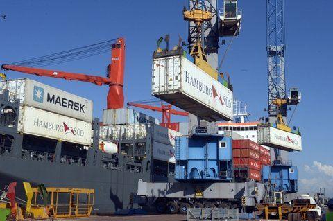 contenedores. La mercadería partió desde la Terminal Puerto Rosario.