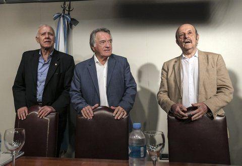 laderos. Barrionuevo eligió al periodista Carlos Campolongo y a Julio Bárbaro como sus colaboradores para normalizar el Partido Justicialista.