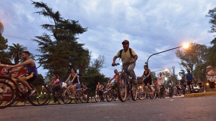 Bicicleteada nocturna por el Día Mundial de la Bici