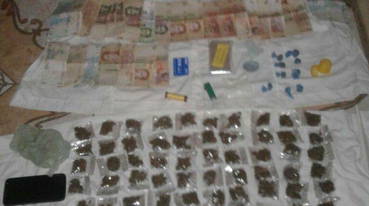 Detuvieron a un joven y le secuestraron 136 dosis de marihuana