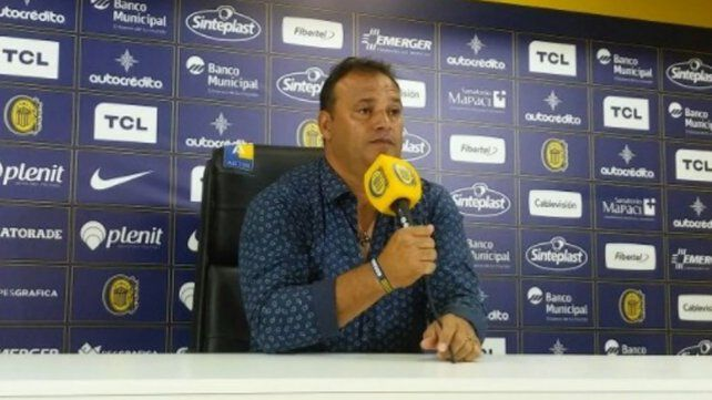 Leo Fernández despejó dudas y dijo que tiene contrato hasta diciembre