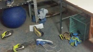 Al plantel de Argentino le robaron botines y piden ayuda para jugar