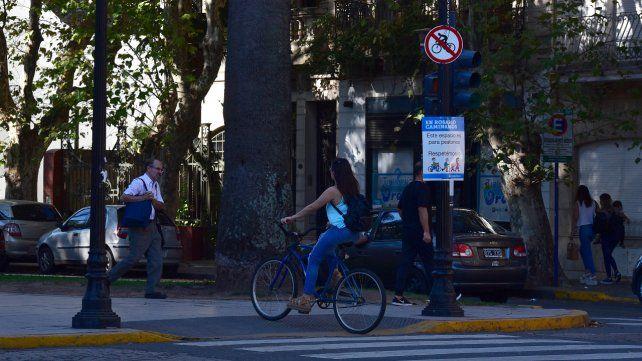No más autos. Floriani afirma que ya no hay lugar para tantos vehículos.