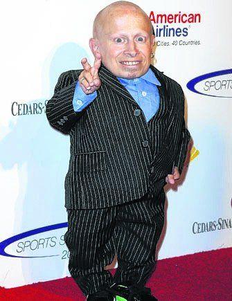 Murió Verne Troyer, el malvado Mini Me