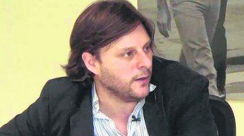 referente. Santoro integra la agrupación radical Los Irrompibles.