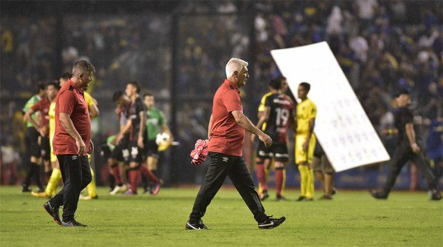 Derrotado. De Felippe admitió la superioridad de Boca y lanzó una autocrítica para su equipo.