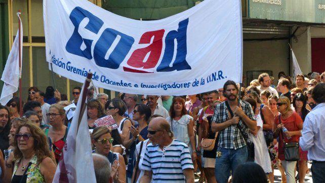 UNR: los docentes pararán dos días y se movilizarán