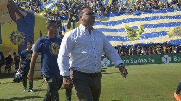 Leo Fernández sigue al frente de Central pese a que es resistido