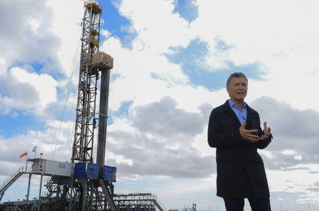 Macri les pidió a las provincias y municipios eliminar los impuestos a los servicios