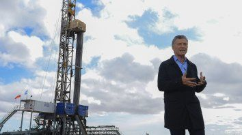 Macri le pidió a las provincias y municipios eliminar los impuestos a los servicios
