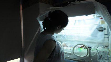 Antes de tiempo. La Red Familias Prematuras Rosario acompaña a papás de niños que necesitan permanecer internados en neonatología.
