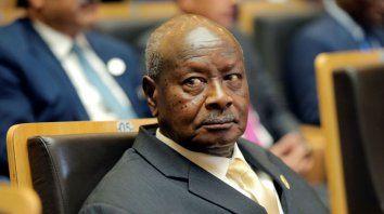 Siempre polémico. El presidente de Uganda pretende prohibir el sexo oral.