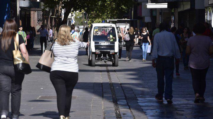 En las peatonales. Los responsables de la seguridad prometieron reforzar los controles.