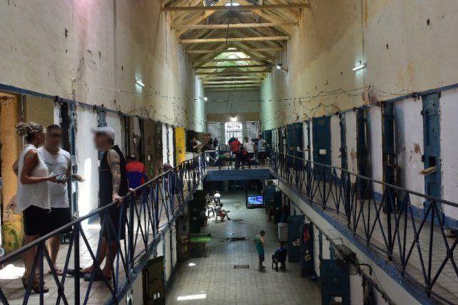 <b>Ataque y muerte. </b>El líder narco Tubi Segovia fue asesinado esta tarde en la cárcel de Coronda.