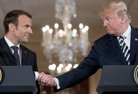 Visita de estado. Macron y Trump se saludan durante la conferencia de prensa conjunta en la Casa Blanca.