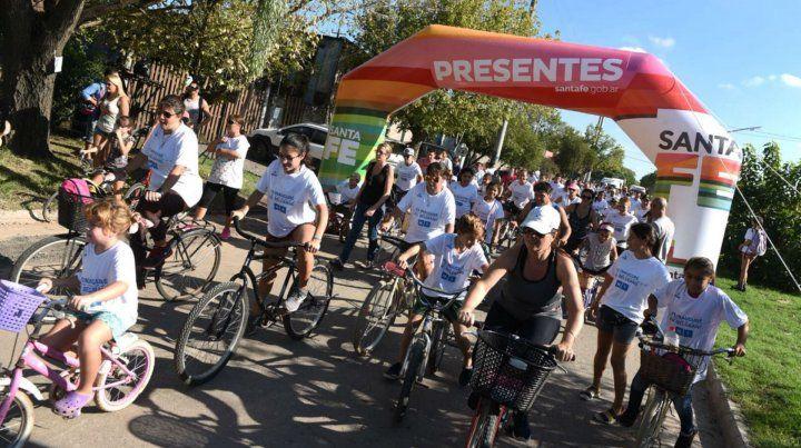 Multitudinaria. La bicicleteada fue digno marco a la inauguración.