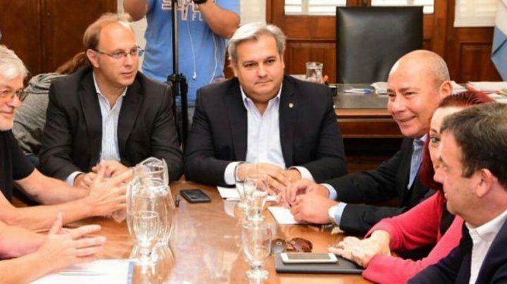 El gobierno provincial pagará un bono de 2500 pesos a los trabajadores estatales