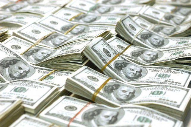 El dólar marcó un nuevo récord y cotizó a 21,45 pesos