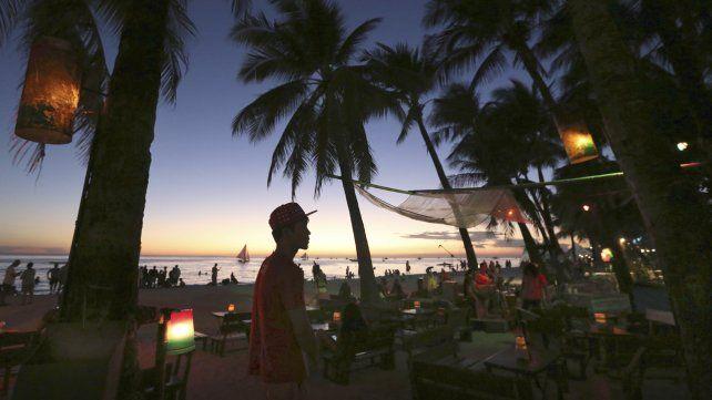 Filipinas cierra la isla de Boracay al turismo