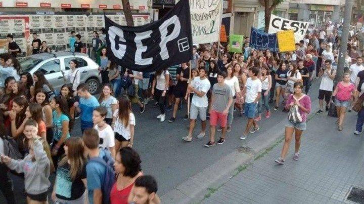 Los estudiantes se movilizan por el centro.
