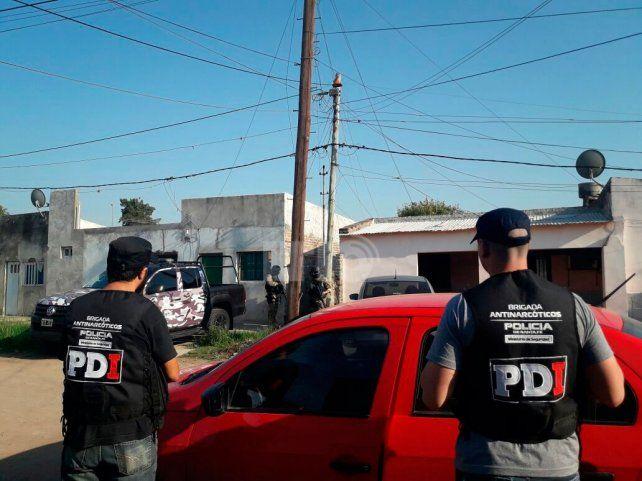 Ocho detenidos fue el saldo de la serie de once allanamientos que se realizaron esta mañana.