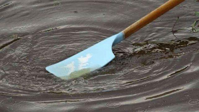 Repararon una canoa y cruzaron el río junto a chicos con discapacidad