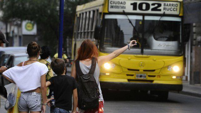 El transporte público está en una situación difícil en Rosario.