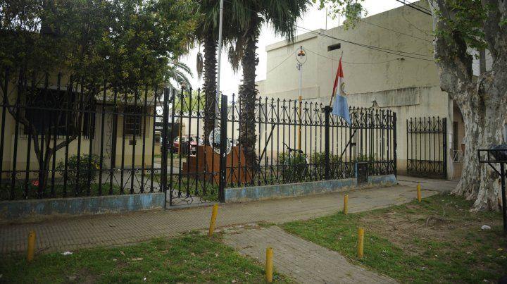 El remisero quedó alojado en la seccional de Granadero Baigorria.
