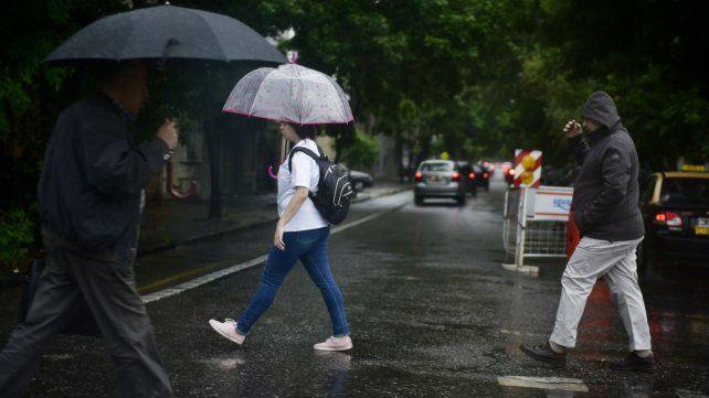 La lluvia acompañará a los rosarinos al menos hasta el viernes.
