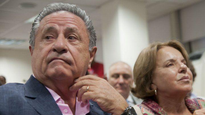 Cruzados. Duhalde admitió que está en contra de su esposa en el tema despenalización del aborto.