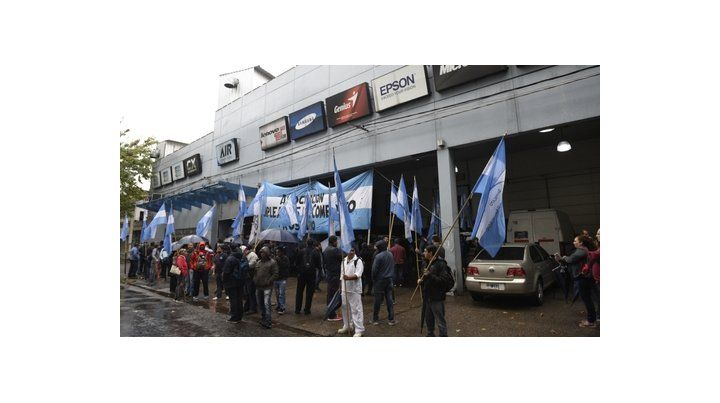 Lucha. Mercantiles protestó frente a AIR
