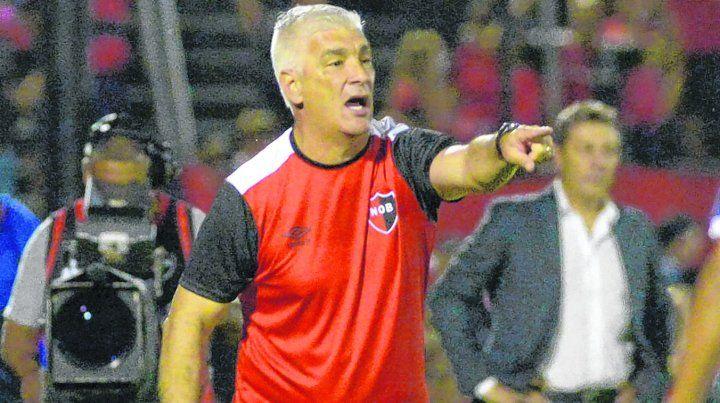 Se tiene fe. Omar De Felippe confía en poder dar vuelta la desventaja de tres goles que sacó Atlético Paranaense en el cruce de ida de la Copa Sudamericana.