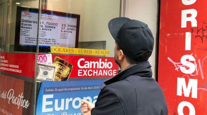 En las casas de cambio rosarinas el dólar se podía conseguir a 22