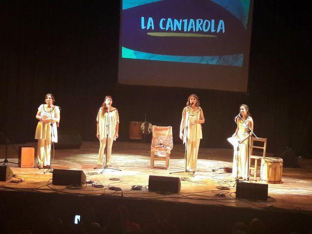 Las chicas de La Cantarola