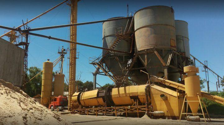 Un obrero que trabaja en un silo murió en la Arenera Baigorria.