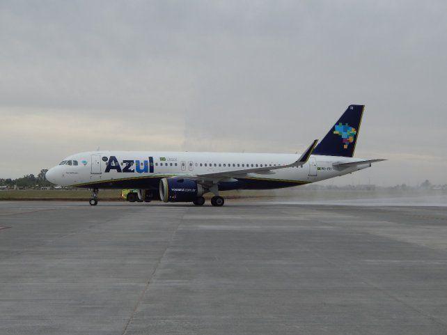 La aerolíneas brasileña Azul comenzó con los vuelos a Recife el pasado 24 de marzo. Ahora sumará tres frecuencias semanales a Porto Alegre a partir de julio.